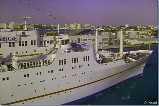2.12 SHIP OF SPIES.avi_000621888