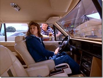 S1E1_Amanda_Ford_JR4502_interior