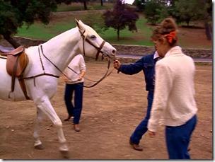 S1E6_Horse1