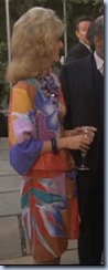 S1E21_colourfuldress_Francine