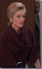 S2E19_burgundy_jumper_good_Francine