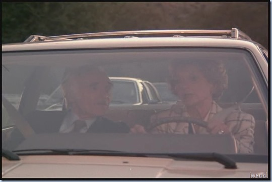 SCARECROW_MRS_KING_S3_D3-05.avi_20150617_200459.365