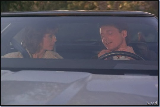 SCARECROW_MRS_KING_S3_D3-05.avi_20150706_170904.595