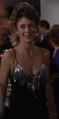 S1E15_black_sparkly_formal_Amanda