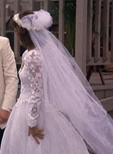 S2E12_wedding_side_Amanda