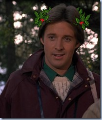 S1E10_casual_Lee_holly_wreath2