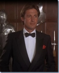 S2E8_Tux_with_suitofarmour_Lee