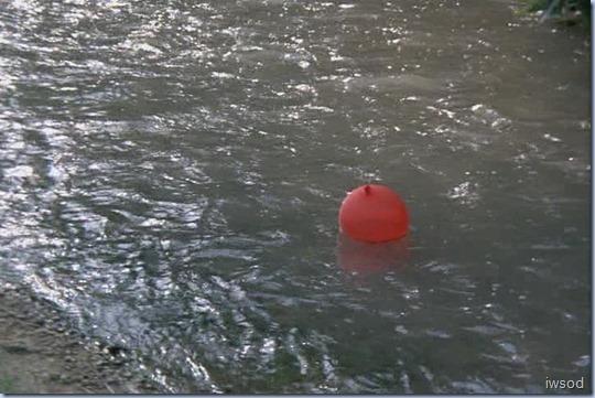 4.05 IT'S IN THE WATER.avi_24002002002